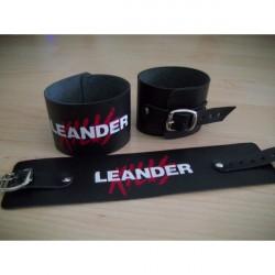 Leander Kills karkötő
